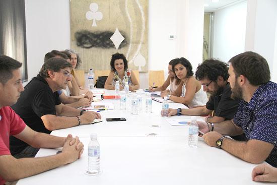 Imagen de una reunión de la Mesa de Apoyo al Refugiado.