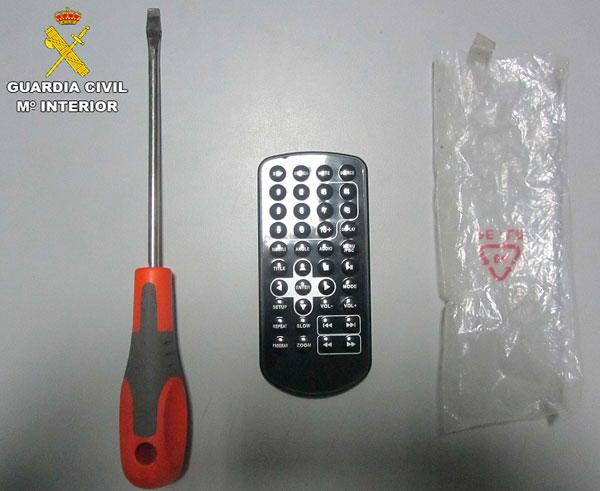 Imagen de los objetos incautados por la Guardia Civil.