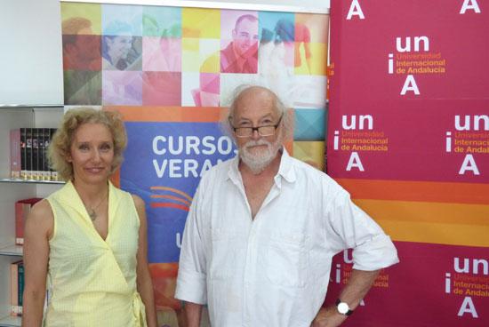 A la izquierda la directora del curso, Pilar Domínguez Toscano y Jean Pierre Klein doctor en Psiquiatría y Psicología. Director de l´Institut National d´Expression, de Creation, d´Art et Transformation (INECAT, París).