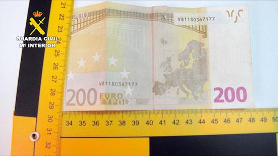 Imagen de uno de los billetes intervenidos en la operación.