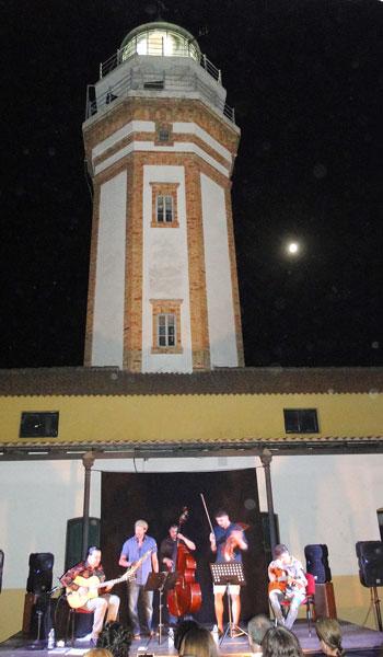 El Faro de Mazagón fue el espectacular espacio que acogió el concierto.