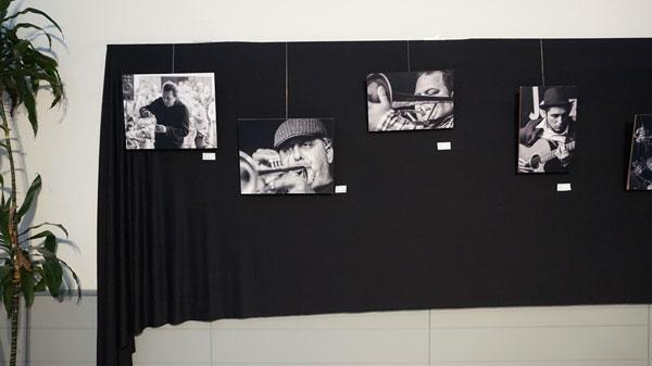 Imagen de varias obras en la exposición.