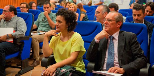 María Eugenia Limón y Juan José Blanco, entre los asistentes al acto.
