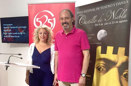 La diputada de Cultura, Lourdes Garrido, acompañada por el actor y director de la compañía, Jesús Prieto, ha presentado el séptimo y último espectáculo de esta edición, escrita por autor cubano José Carlos Somoza.