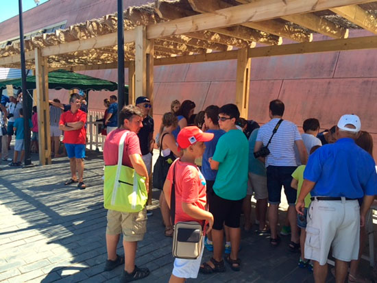 La Jornada de Puertas Abiertas llenó de visitantes el recinto.