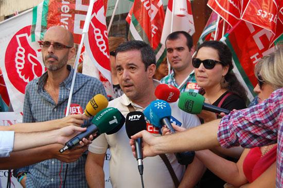 Imagen de los diferentes representantes sindicales.