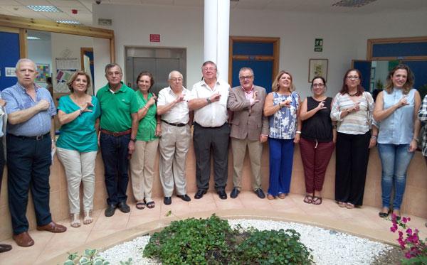 El delegado territorial de Igualdad, Salud y Políticas Sociales, Rafael López, mantuvo en la tarde de ayer un encuentro con usuarios de la Asociación de Familiares de Personas con Alzheimer y otras Demencias AFA Huelva.