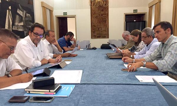 Imagen de la reunión entre miembros del Patronato Provincial de Turismo y la Secretaría Técnica.
