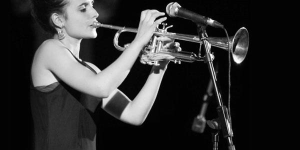 Imagen de la trompetista y cantante Andrea Motis.