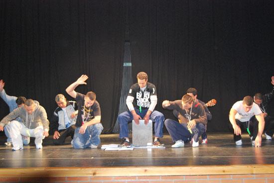 Imagen de una actuación durante una de las actividades.