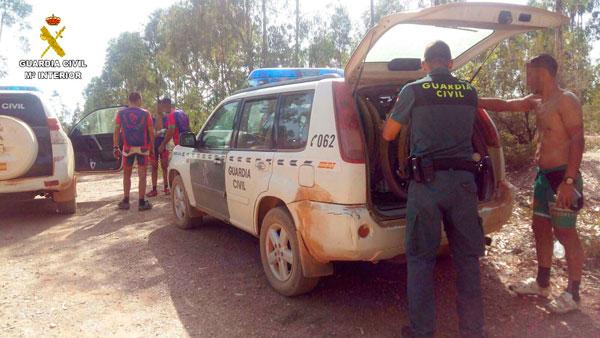 Imagen del dispositivo de rescate de la Guardia Civil durante la intervención.
