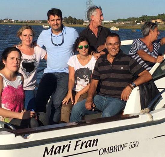 Durante la visita, Caraballo ha estado acompañado por la alcaldesa de San Juan del Puerto, Rocío Cárdenas; miembros de la corporación municipal; y el senador, Amaro Huelva.