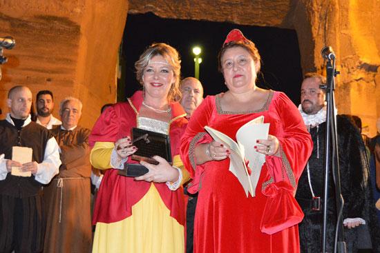 1.Las alcaldesas de San Juan del Puerto y Niebla, Rocío Cárdenas y Laura Pichardo, respectivamente.