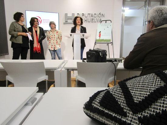 Imagen del acto de presentación de las proyecciones en varias localidades de Huelva.