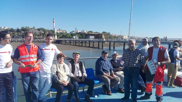 Los participantes en el barco.