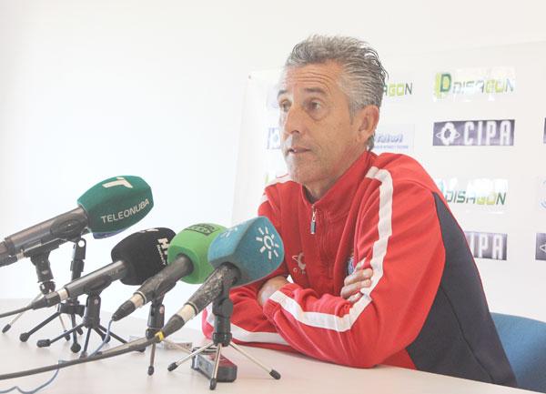 Alejandro Ceballos, en rueda de prensa.