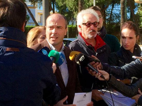 Rafael Gavilán y Aurelio González comparecen ante los medios de comunicación.
