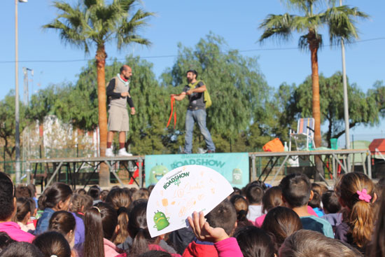 Imagen de la actividad 'Roadshow de Mr. Iglú' en la Plaza del Ándevalo.