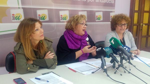 Carmen Centeno, Mónica Rossi y Charo González en rueda de prensa.