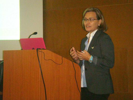 Imagen de una de las ponentes.