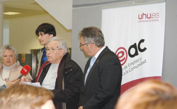 Imagen de la lectura del manifiesto.
