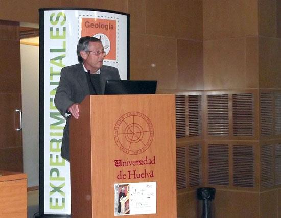 Miguel Delibes durante su intervención.