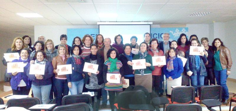 """Foto de familia del programa """"Comprende y educa"""" ne Paterna del Campo."""