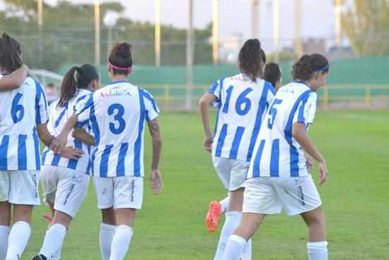 Imagen de varias jugadoras del Sporting Club de Huelva.