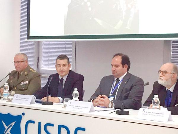 Antonio Sanz durante su intervención en el IV Seminario Internacional sobre Problemas Emergentes en Seguridad .