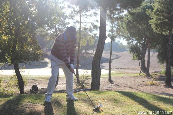 Imagen de un golfista durante el torneo.