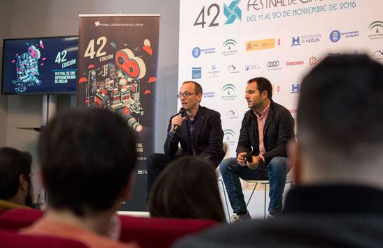 Manuel H. Martín durante su intervención en el encuentro.