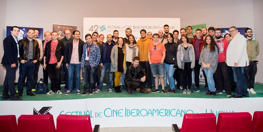 Asistentes al 'Encuentro de Jóvenes Creadores Andaluces' en la Casa Colón.
