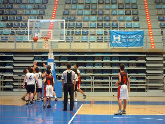 Imagen de un partido de baloncesto del programa La Provincia en Juego.