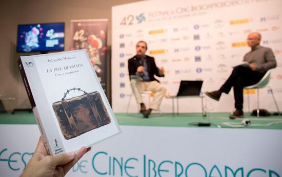 Imagen de la presentación de 'La piel quemada. Cine e inmigración' en el Palacio de Congresos de la Casa Colón.