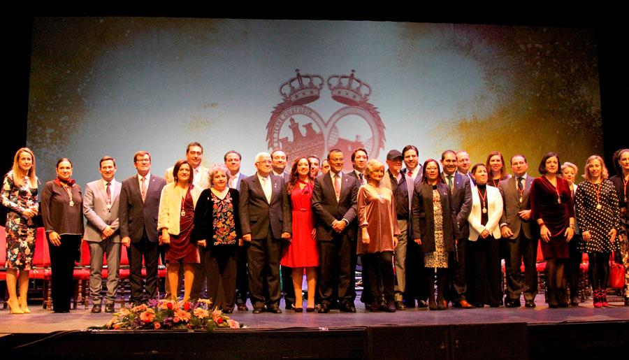 Acto del Día de la Provincia en el Teatro del Mar de Punta Umbría.
