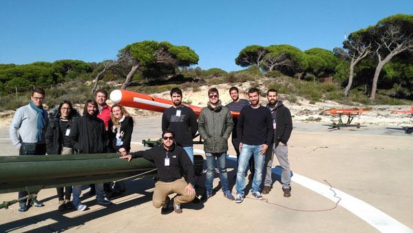 Imagen del equipo de investigadores en el Arenosillo.