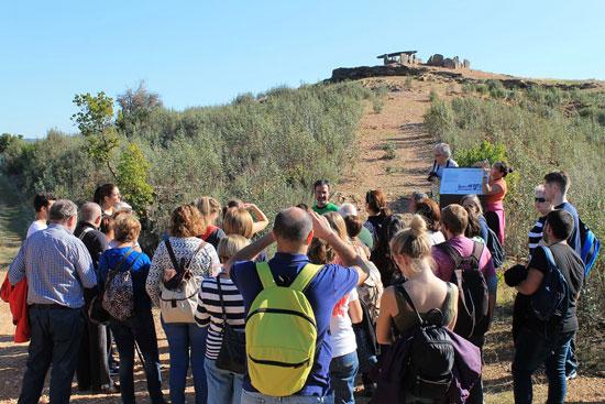 Imagen de la visita a los dólmenes.