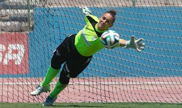 Sara Serrat durante un encuentro con el Sporting Club de Huelva.