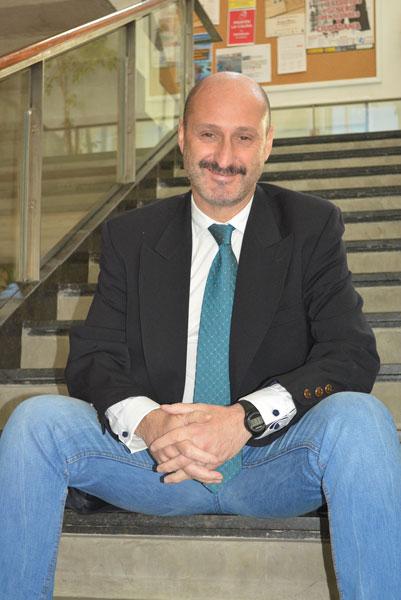Imagen de Alfonso Doctor, decano de la Facultad de Humanidades.