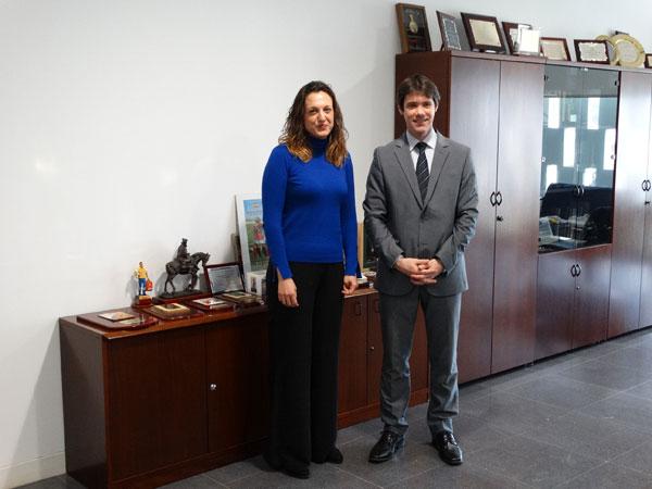 María José Pulido y David Guevara durante su reunión.