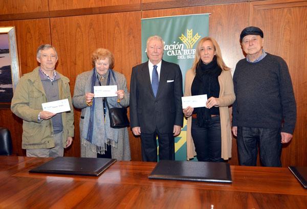 Acto de entrega de la recaudación en la Fundación Caja Rural del Sur.