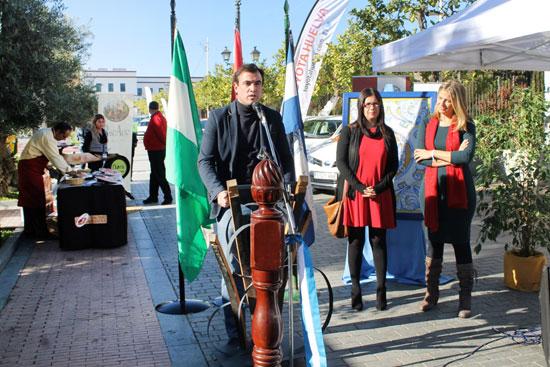 Inauguración de la primera edición por parte de las autoridades municipales.