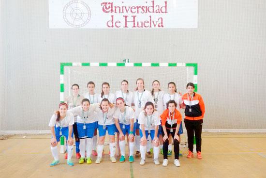 Imagen del equipo de fútbol-sala femenino de la UHU.