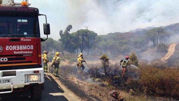 """Actuación de los bomberos en el Paraje """"Arroyo Pedraza""""."""
