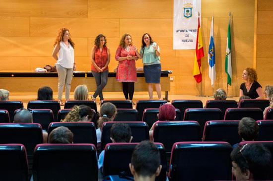 Imagen del acto de presentación de los talleres.
