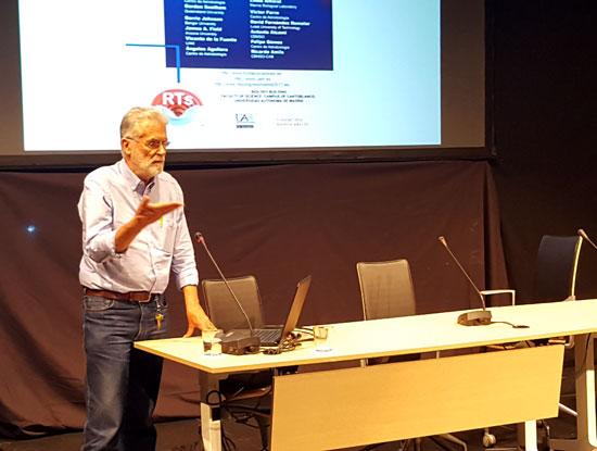 Ricardo Amils durante la conferencia.