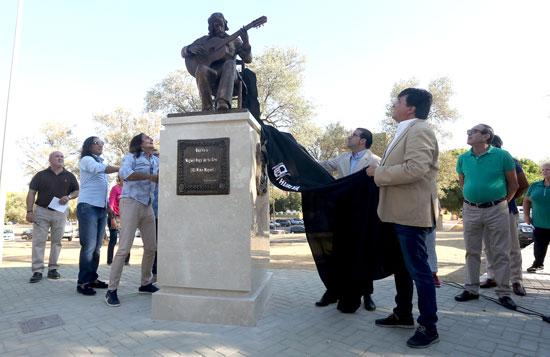 Acto de inauguración del monumento dedicado a Niño Miguel.