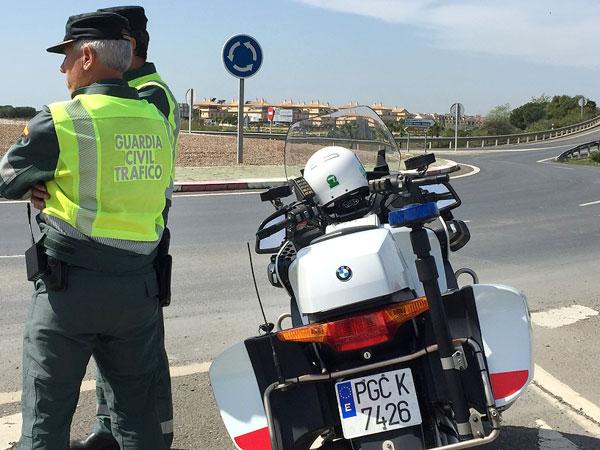 Agentes del Subsector de Tráfico de Huelva durante un servicio.