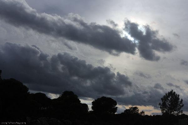 Imagen del cielo en la provincia de Huelva en el día de hoy.
