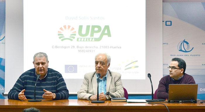 Foto de archivo de charla de UPA, con los ponentes que participarán en la del jueves